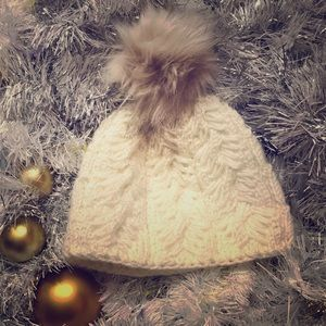 Accessories - Handmade knit hat with faux fur Pom Pom